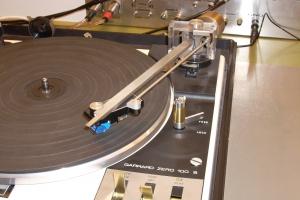audiotronic-2008-11-02519467B70-E0E5-DE7A-6062-EB8765CE1866.jpg