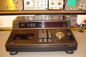 audiotronic-2009-06-001871D5368-07F8-1FEE-D381-4897B1B67DA2.jpg