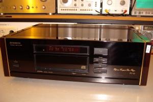 audiotronic-2010-09-0040CEF6F3A-69A0-28A5-2C00-310E5FD5D42A.jpg