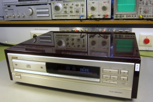 audiotronic-2013-02-07B32AF76B-642F-620D-387A-7E6ACA8628FD.jpg